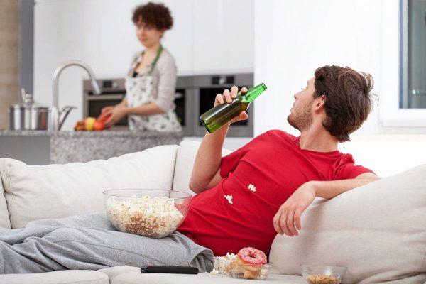 Tại sao phụ nữ ngoại tình khó dứt hơn đàn ông
