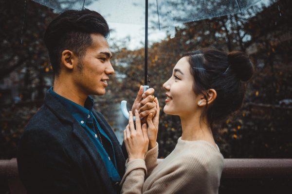 Tâm lý đàn ông khi gặp người yêu cũ ra sao
